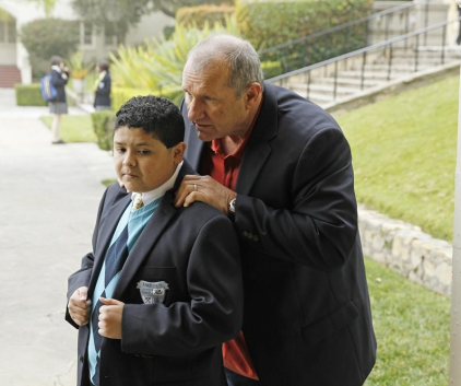 Watch Modern Family Season 4 Episode 19