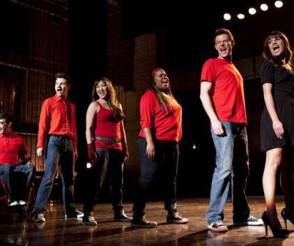 Watch Glee Season 4 Episode 19
