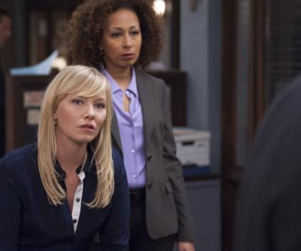 Watch Law & Order: SVU Season 14 Episode 23