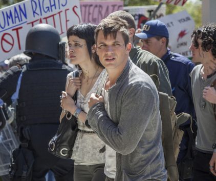 Watch Star-Crossed Season 1 Episode 1