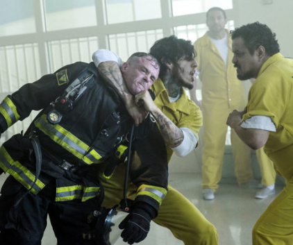 Watch Chicago Fire Season 1 Episode 24