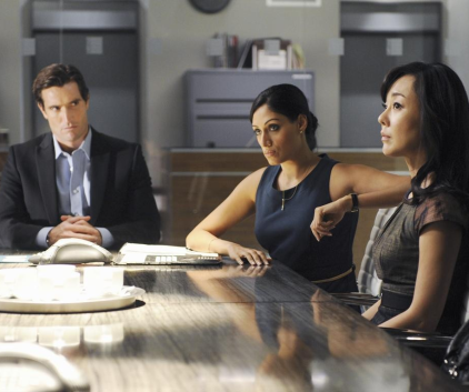 Watch Mistresses Season 1 Episode 11