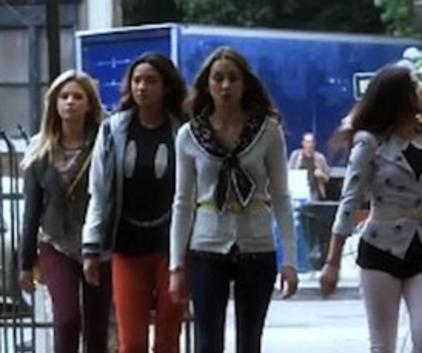 Watch Pretty Little Liars Season 4 Episode 10