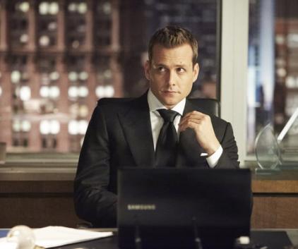 Watch Suits Season 3 Episode 9