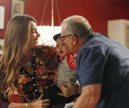 Watch Modern Family Season 5 Episode 3
