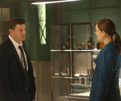 Watch Bones Season 9 Episode 4