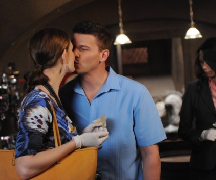 Watch Bones Season 9 Episode 7