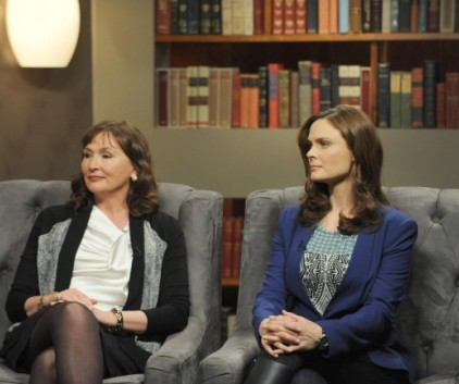 Watch Bones Season 9 Episode 8