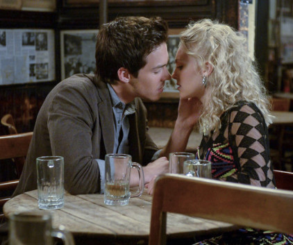 Watch The Carrie Diaries Season 2 Episode 4