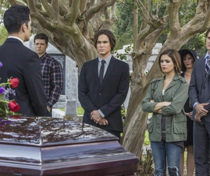 Watch Ravenswood Season 1 Episode 3
