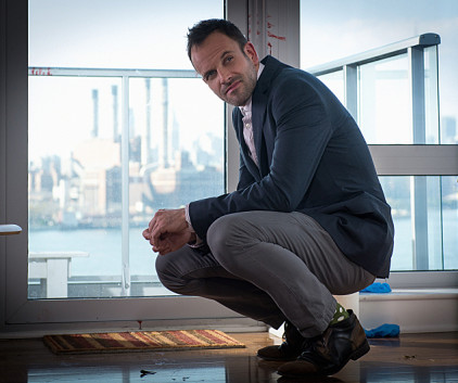 Watch Elementary Season 2 Episode 8