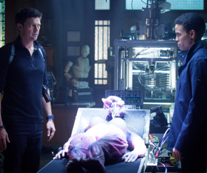 Watch Almost Human Season 1 Episode 2