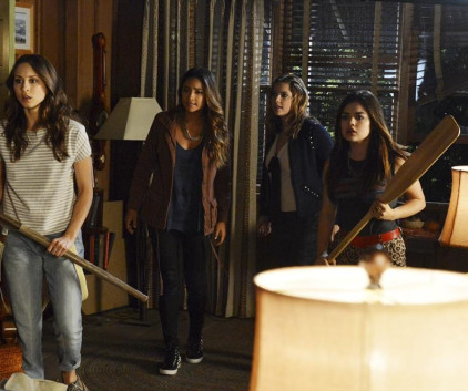 Watch Pretty Little Liars Season 4 Episode 15
