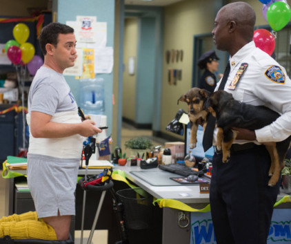 Watch Brooklyn Nine-Nine Season 1 Episode 12
