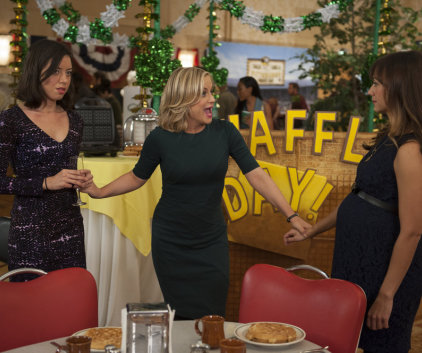 Watch Parks and Recreation Season 6 Episode 13
