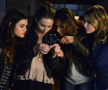 Watch Pretty Little Liars Season 4 Episode 17