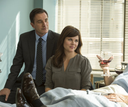 Watch White Collar Season 5 Episode 13