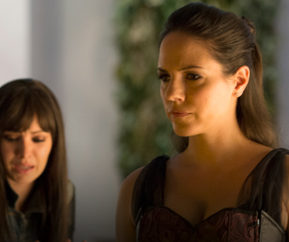 Watch Lost Girl Season 4 Episode 4