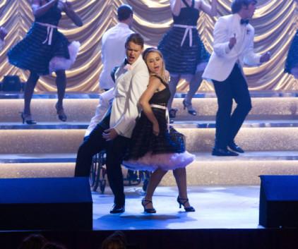 Watch Glee Season 5 Episode 11