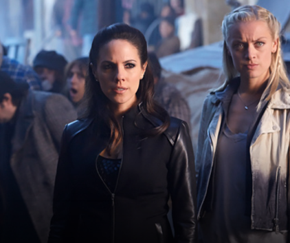 Watch Lost Girl Season 4 Episode 11