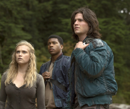 Watch The 100 Season 1 Episode 3