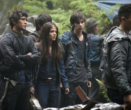 Watch The 100 Season 1 Episode 4