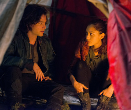 Watch The 100 Season 1 Episode 6