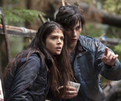Watch The 100 Season 1 Episode 8