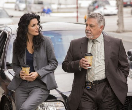 Watch Rizzoli & Isles Season 5 Episode 2