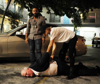 Watch Graceland Season 2 Episode 6