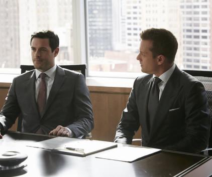 Watch Suits Season 4 Episode 6