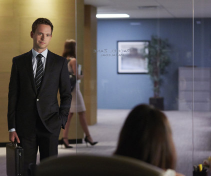 Watch Suits Season 4 Episode 8
