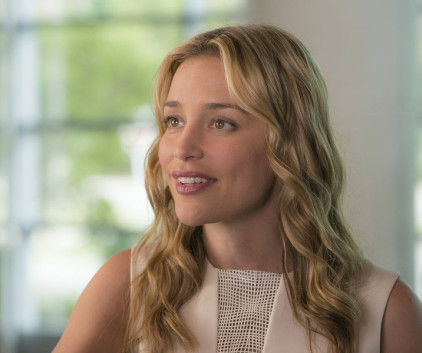 Watch Covert Affairs Season 5 Episode 9