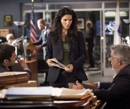 Watch Rizzoli & Isles Season 5 Episode 10