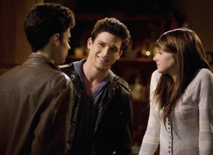 Watch The Secret Life of the American Teenager Season 2 Episode 1 Online