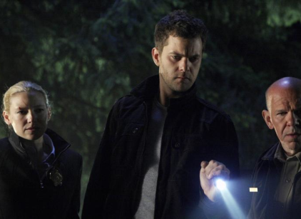 Watch Fringe Season 2 Episode 2 Online