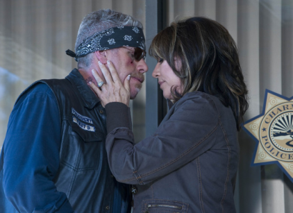 Watch Sons of Anarchy Season 2 Episode 13 Online