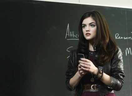 Watch Pretty Little Liars Season 1 Episode 1 Online