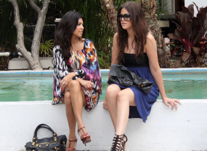 Watch Kourtney and Khloe Take Miami Season 2 Episode 5 Online