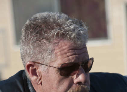 Watch Sons of Anarchy Season 3 Episode 1 Online