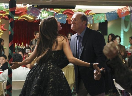 Watch Modern Family Season 2 Episode 4 Online