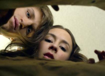 Watch Pretty Little Liars Season 1 Episode 19 Online