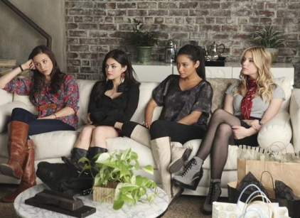Watch Pretty Little Liars Season 2 Episode 1 Online