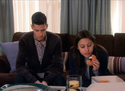 Watch The Secret Life of the American Teenager Season 4 Episode 1 Online