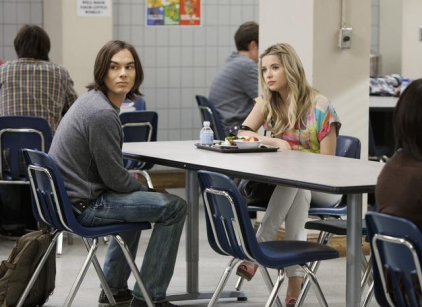 Watch Pretty Little Liars Season 2 Episode 4 Online