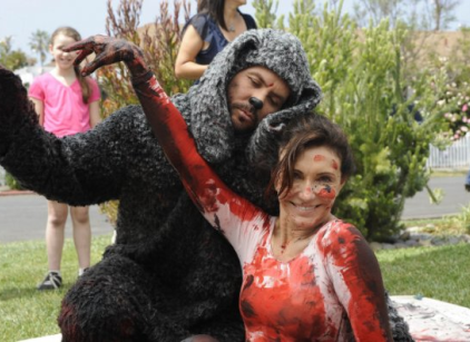 Watch Wilfred Season 1 Episode 9 Online