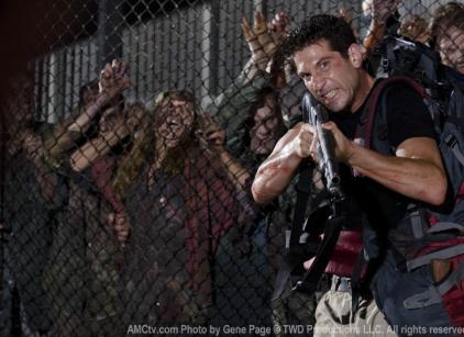 Watch The Walking Dead Season 2 Episode 3 Online
