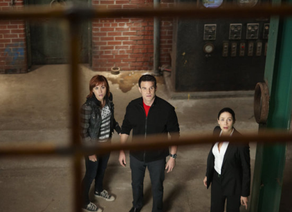 Watch Warehouse 13 Season 3 Episode 13 Online
