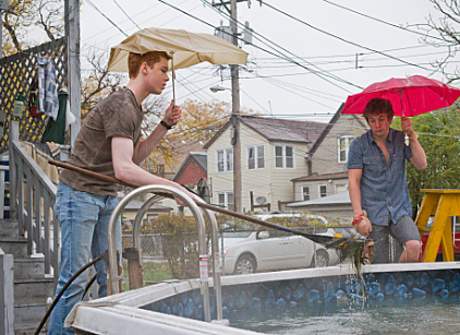 Watch Shameless Season 2 Episode 7 Online