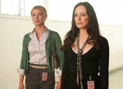Watch Revenge Season 1 Episode 17 Online